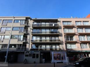 Gezellig, bemeubeld appartement met 2 slaapkamers te huur in het hartje van Nieuwpoort-Bad. Centraal gelegen in dé winkelstraat van deze bruise