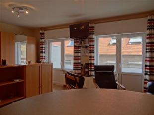 Res. De Kwinte 0502 - Appartement met 1 slaapkamer gelegen op de 6de verdieping op de autovrije zeedijk te Nieuwpoort - Inkomhal - Brede living - Keuk