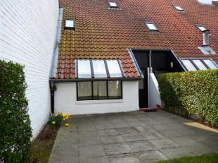 Deze mooie woning in het rustige domein Ysermonde biedt u de ideale woonplaats of tweede verblijf aan. Deze gezellige en gerenoveerde woning is als vo