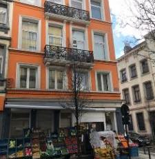 Immeuble de commerce et de rapport 54, rue de la Caserne angle 6, rue des Foulons - Côté rue des Foulons, 6 : rez commercial +/- 80 m&sup