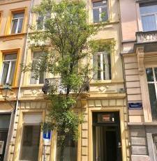 Proximité Jourdan, Louise, grande maison d'habitation avec beaucoup de potentiel, calme, lumineux, Beaux volumes : 430 m² brut. Possibilit
