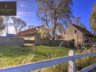 À proximité du village culturel animé et rural de Steenkerke, situé dans la ceinture verte autour de Veurne, se trouve cet