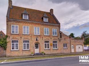 Voormalig kloostergebouw die recentelijk zeer mooi werd gerenoveerd tot B&B met restaurant. Een pareltje in het hinterland. Boven het restaurant z