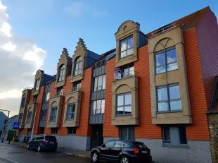 Nieuwpoort : zeer recent, modern appartement ! - centrale maar rustige ligging ! - inkomhall, - living met balkon, - ingerichte open keuken en bergrui