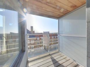 Goed gelegen appartement met 2 slaapkamers en zuid-gericht terras te OostduinkerkeIndeling: Inkomhal, leefruimte met eethoek aansluitend op zuidgerich