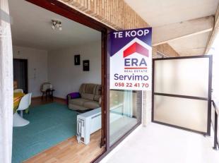 Uitstekend gelegen studio vlakbij de Esplanade !Indeling: inkomhall, ruime living, ingerichte open keuken, badkamer, slaaphoek en terras.Troeven: Zeer