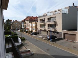 Koksijde-Bad : appartement avec une situation centrale mais calme !Composition: hall dentrée, living, cuisine, salle de bains, toilette s&eacut