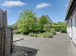 Deels gerenoveerde vakantiewoning/vissershuis in privédomein Sunparks te Oostduinkerke Rustig gelegen vlakbij de vijver !Zeer groot zonneterras
