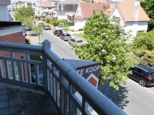 Gemeubeld appartement met een centrale maar rustige ligging te Koksijde-Bad !Indeling: living, ingerichte open keuken, badkamer, één sla