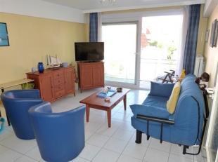 Koksijde-Bad : appartement met één slaapkamer !Indeling: inkomhall, living, ingerichte open keuken, berging, badkamer, toilet, é&