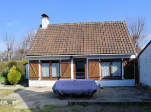 Maison de vacances agréable avec jardin clotûré et emplacement de parking devant la maison. Situation calme dans une zone de r&eac