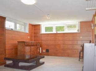 Leuk gerenoveerde studio met slaaphoek. Gelegen op 100m van de Zeelaan in Koksijde-Bad. Op wandelafstand van zee. Kleine residentie zonder lift (lage