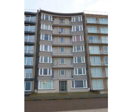 Appartement te koop in Sint-Idesbald, € 400.000