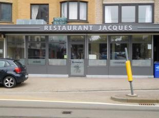 Restaurant gelegen in het centrum van Koksijde-bad nabij zee te huur. Het pand is volledig uitgerust met restaurant met een capaciteit van 64 tot 130