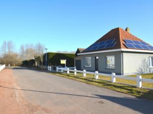 Deze woning is gelegen in Koksijde-dorp op wandelafstand van het centrum en het zwembad, rustige omgeving. De woning beschikt over een mooie tuin, gar