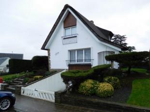 Aangename typische kustvilla tussen zee en Koninklijke Baan;<br /> Knusse woonkamer met aanpalende veranda;<br /> ingerichte keuken; <br /> 3 slaapkam