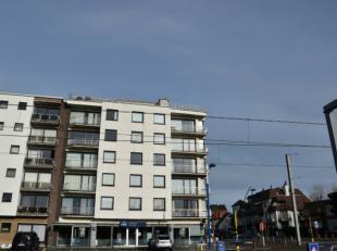 Heel ruim gemeubeld appartement met 3 slaapkamers;<br /> Zonnige woonkamer met panoramisch zicht;<br /> Moderne afzonderlijke keuken;<br /> Badkamer m