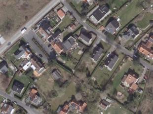 Deze residentiële bouwgrond is zuidgericht en 877,42 m² groot.<br /> Geen bouwverplichtingen!<br /> Meer info op kantoor.
