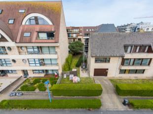 Mooi perceel bouwgrond (180m²) gelegen in een zijstraat van de Zeelaan te Koksijde. Dit perceel grond bevindt zich op wandelafstand van het stran