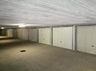 Gesloten garagebox onder het Teniersplein te Koksijde. Breedte: 2m65 - Diepte: 6m02