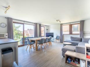 Gerenoveerd, gemeubeld appartement met drie slaapkamers met centrale, rustige ligging te Koksijde.Dit ruim appartement bevindt zich op een steenworp v