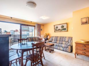 Recent, goed onderhouden appartement gelegen op een steenworp van het commercieel centrum van Koksijde.Indeling: inkomhall, leefruimte met open keuken