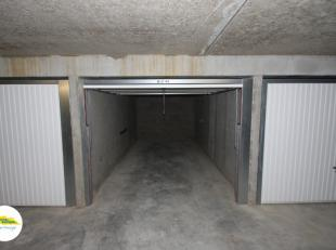 Gesloten garagebox: | Diepte: 5,40 meter | Breedte: 2,71 meter | hoogte: 2,00 meter