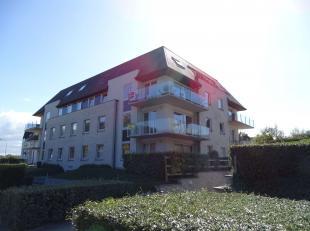 KOKSIJDE, Residentie Bries A, Recent gelijkvloers appartement met 2 slaapkamers en aangenaam terras.Het appartement bestaat uit: inkom, woonkamer met