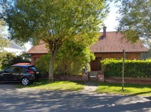Ruime 4-slaapkamer villa in het hart van Sint-Idesbald te koop.<br /> Deze op te frissen woning is rustig gelegen in een residentiële wijk van Si