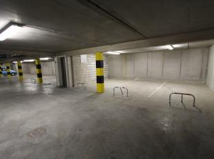 Ondergrondse parkeerplaats P13 in het centrum van Gistel, op een boogscheut van de markt. Dat alles vervat in een stijlvol, functioneel en duurzaam ge