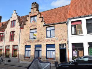 Verzorgd en karaktervol woonhuis gelegen in de historische stadskern, op een steenworp van het feeërieke Astridpark, met z'n buurtwinkels (bakker