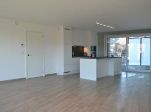 Dit volledig afgewerkt appartement vinden we terug in de nieuwbouwresidentie Valcke, gelegen nabij het station van Tielt.Het appartement omvat:Een zee