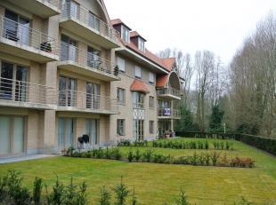 Het appartementsgebouw, gelegen achter restaurant d' Afspanning, is opgetrokken in Villastijl en is kwaliteitsvol afgewerkt.Appartement is gelegen op