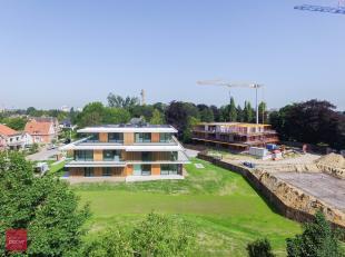 36 appartementen verdeeld over 3 strakke residenties met hoge afwerkingsgraad  (arch. B2Ai). Lichtrijke leefruimtes, hoge plafonds, gemakkelijk toegan