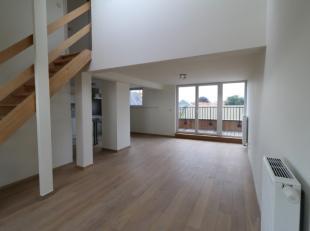 prachtig recent nieuwbouwappartement nabij het centrum van Waregem, 500m van het station<br /> inkom, ruime lichtrijke leefruimte, parket<br /> open k