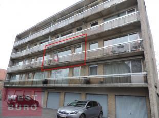 Zeer rustig gelegen en zonnig appartement, gelegen op wandelafstand van het centrum Roeselare. Bestaande uit inkom, woonkamer met zuidgericht terras (