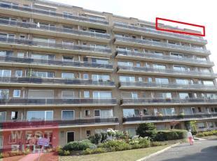 Appartement op 8e verdieping bestaande uit inkom, living, keuken, doucheruimte, badkamer met toilet en wastafel, 1 slaapkamer en ruim terras . Uniek z