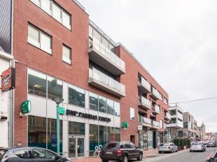 Prachtig appartement gelegen op de 2e verdieping van het unieke stadsvernieuwingsproject 'De Munt'. Het bestaat uit een ruime inkom voorzien van ruimt