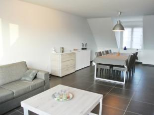 2 slaapkamer appartement in het centrum van Sint-Eloois-Winkel<br /> Dit recent, lichtrijk appartementis perfect onderhouden en is voorzien van :<br /