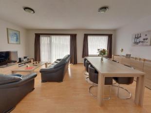 Perfect onderhouden 2 slaapkamer appartement in uitstekende staat.Gelegen nabij het centrum van Roeselare op wandelafstand van supermarkten, bakker ,