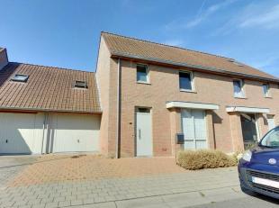 Deze instapklare woning is gelegen in een rustige omgeving aan het stadscentrum van Roeselare met tevens een vlotte bereikbaarheid naar de Rijksweg en