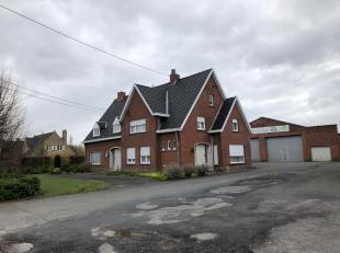 Interessante belegging: 2 woningen + atelier & 2 garages. Alles verhuurd! Invalsweg Roeselare.