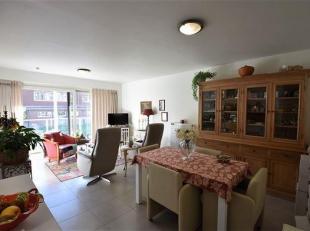 RECENT APPARTEMENT met inkom, ruime living met open ingerichte keuken, ingerichte badkamer, 1 slaapkamer, berging, zonnig terras, gemeenschappelijke f