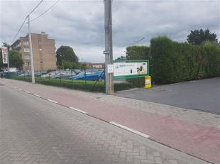 Roeselare/Rumbeke GARAGE Te Huur - Garage nr 9 - Inrit naast Tankstation en Colruyt. Huurprijs :  55/maand. Onmiddelijk vrij.