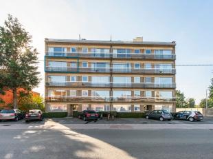 Hoekappartement met 2 slaapkamers gelegen tussen het centrum van Roeselare en Rumbeke. Het appartement wordt verwarmd via centrale verwarming op gas.H
