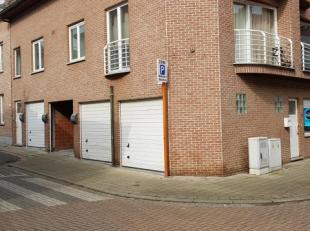 Instapklaar appartement bestaande uit :<br /> - inkom<br /> - living<br /> - ingerichte keuken met alle modern comfort<br /> - 1 slaapkamer<br /> - ba