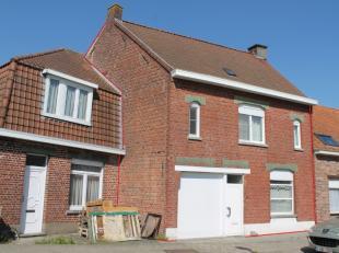Gerenoveerde rustig gelegen woning te huur met 3 slaapkamers in Ledegem.EPC is nog van voor de renovatie. De woning wordt verwarmd via een gaskachel.