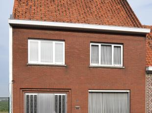 8650 Jonkershove - Jonkershovestraat 228.<br /> Deze zeer degelijke, goed onderhouden woning heeft een ruime woonkamer met aansluitend een grote keuke