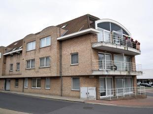 Mooi gelegen appartement in het centrum van Oekene (Stampkotstraat) in de nabijheid van oprit E403 en het nieuwe AZ-Delta ziekenhuis.<br /> Dit ruim a