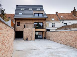 APPARTEMENT 0.1.<br /> Gelijkvloers appartement met een bewoonbare oppervlakte van 78 m² en een terras van 15,50m².<br /> Indeling :<br /> I